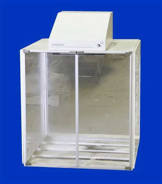 photo of a fume hood sold by hitechtrader.com